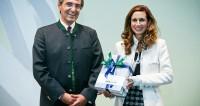 Mag. Erich Frommwald mit Eva Hofmann, Gesellschafterin der Kirchdorfer Gruppe