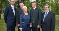 Von links nach rechts: DI Herbert Kendler, GF Scheuch GmbH; Kurt Bernegger, GF Bernegger GmbH; Margarete Machanek, Gesellschafterin; Mag. Erich Frommwald, GF Kirchdorfer Gruppe; Ing. Kurt Stefsky, Gesellschafter